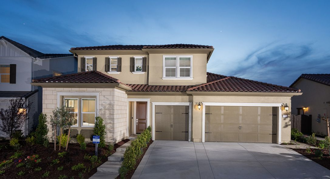 Save thousands during Lennar's Pre-Black Friday Sale on new homes in Sacramento.